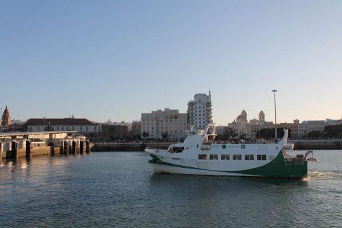 Catamarán Cádiz - ferry - Fähre nach Cádiz-Stadt