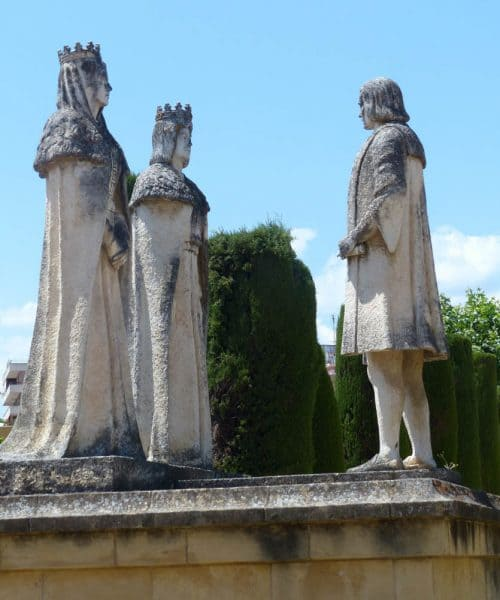 Alcázar de Córdoba - monumento de los Reyes católicos y Colón - monument of the Catholic Monarchs and Columbus
