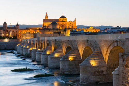 cathedral mosque of Cordoba Spain and Roman bridge - römische Brücke in Cordoba Spanien mit Kathedrale-Moschee