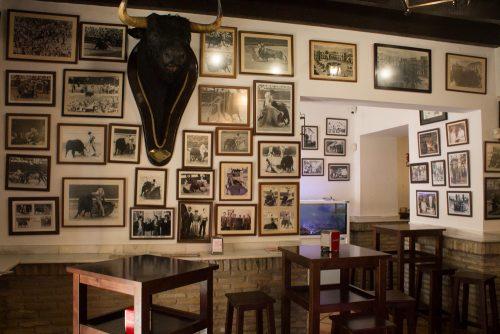casa balbino bar en la plaza del cabildo en sanlucar