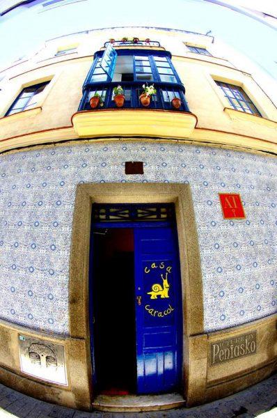 casa caracol cadiz youth hostel