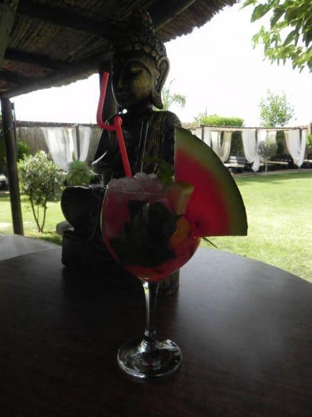 cocktail en el bar periky en chipiona