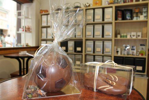 fútbol de chocolate como regalo de cadiz