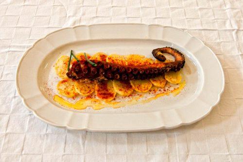 pulpo-de-cadiz-en-un-restaurante-en-chipiona