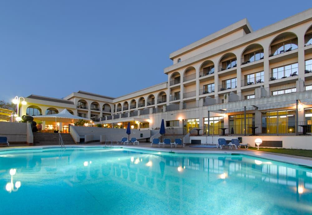 hotel con piscina en sanlucar