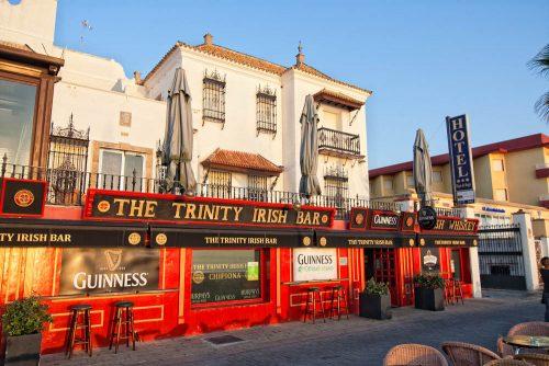 chipiona trinity irish bar pub ausgehen