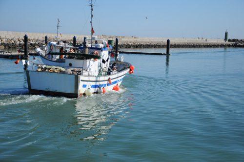 Fischerboot im Hafen von Chipiona Cadiz